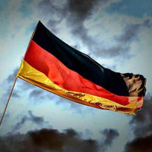 Bandiera tedesca sventola